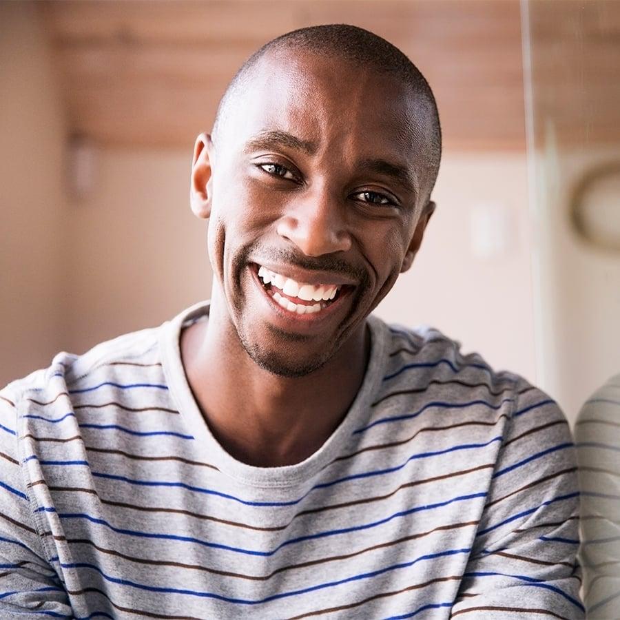 Portrait-of-a-man-in-a-stripy-shirt-900x900